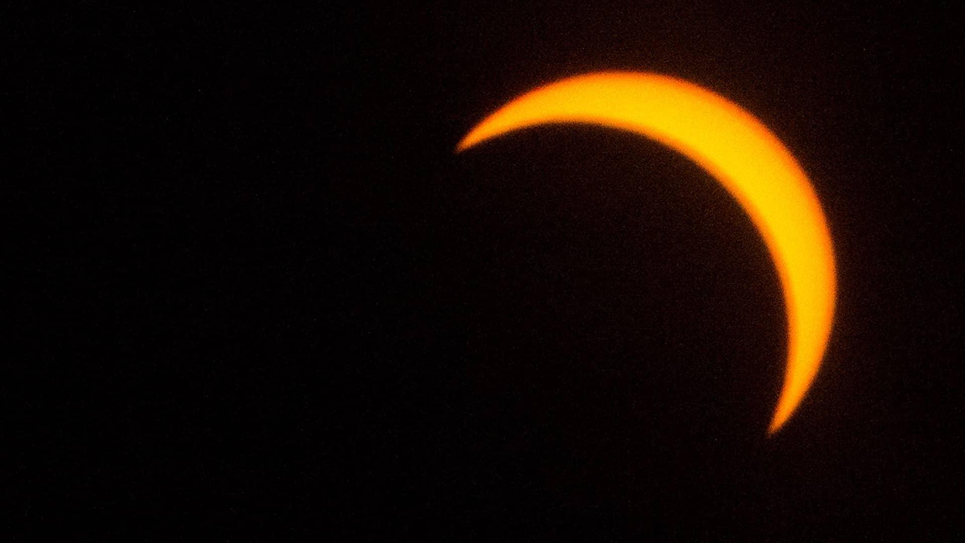 Cuáles son los riesgos de mirar directamente el eclipse