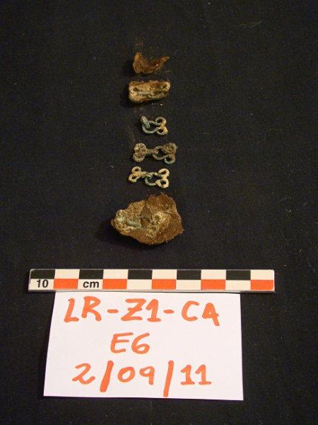 Restos hallados en la fosa común del sitio arqueológico 'La Zanja'