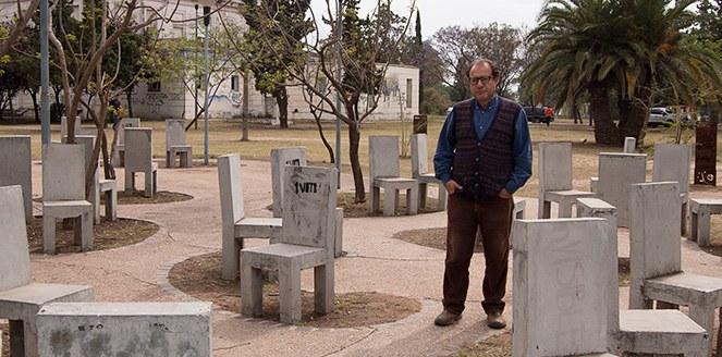 """Darío Olmo: """"Trabajar con los muertos es una forma eficaz de conocer a una sociedad"""""""