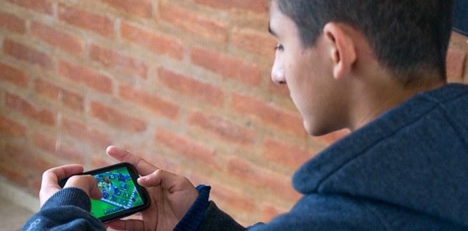 Los videojuegos de estrategia mejoran la capacidad de los adolescentes para tomar decisiones